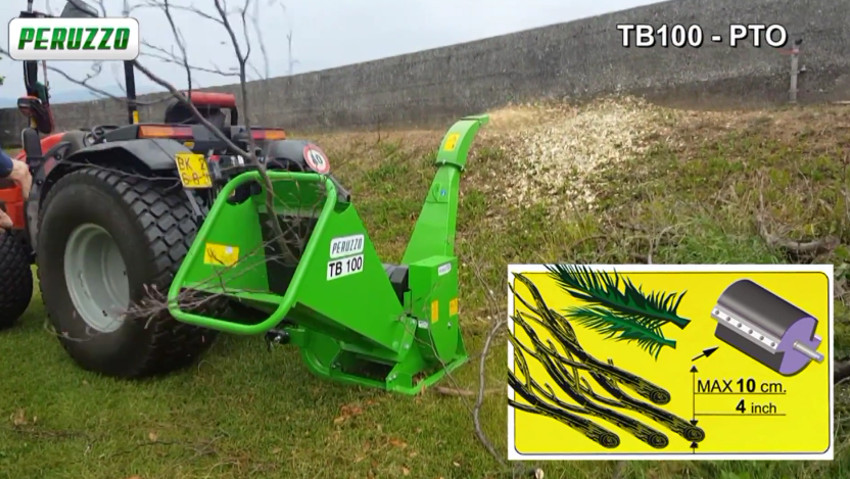 Compact chipper for large diameter pruning