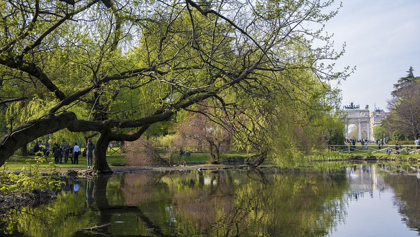 Milan equates public and private green