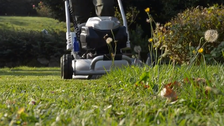 Power and practicality for battery-powered lawnmowers