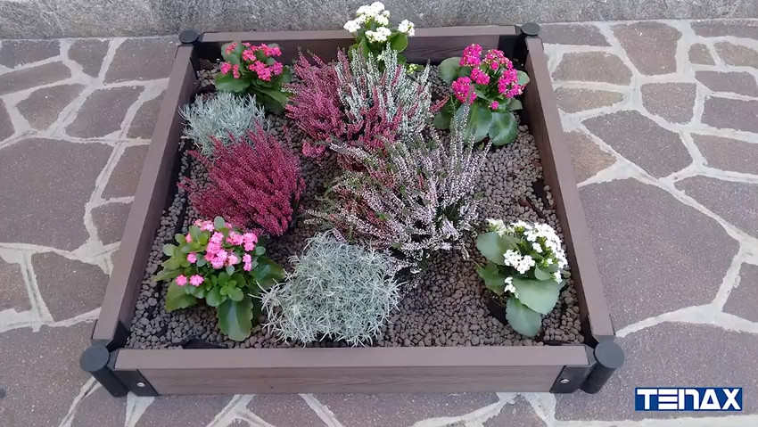 Modular border in WPC Tenax Flower Bed