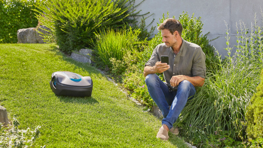 New robotic lawnmower for those who love smart life