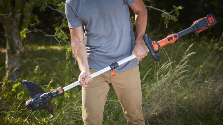 Cordless grass trimmer for large gardens