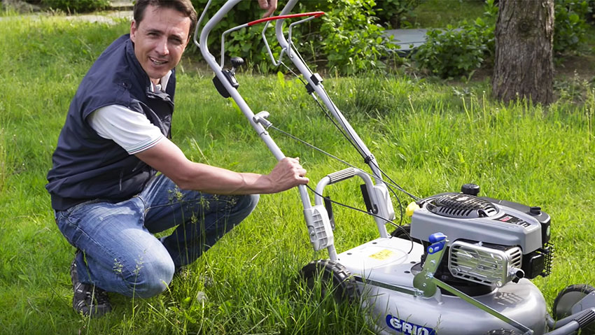 Grin lawn mower: the model PM53