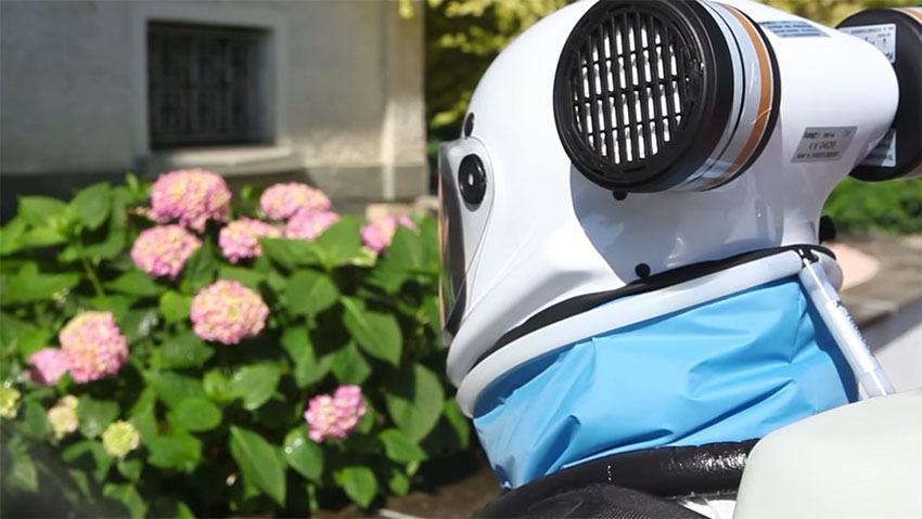 Pesticides, a helmet to protect themselves during treatments