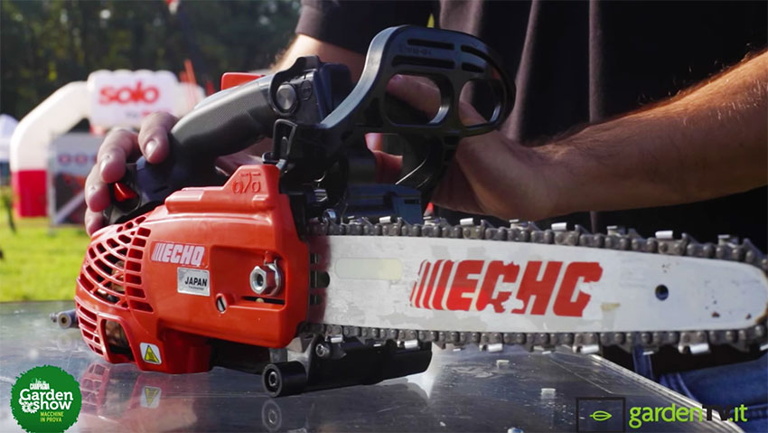 Chainsaw for pruning compact, lightweight and powerful