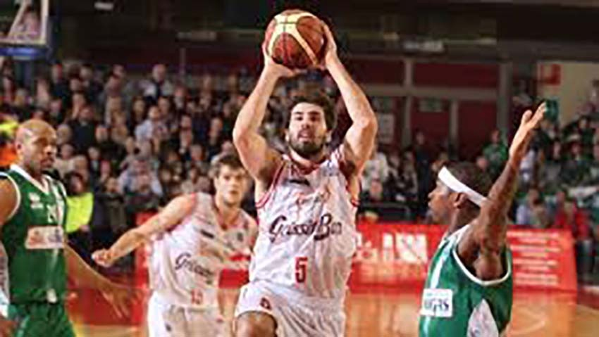 Emak goes back to sign with Basketball Reggiana